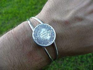 【送料無料】ブレスレット アクセサリ― 10センターボメキシコヴィンテージ1945アステカカレンダーコインカフスブレスレットvintage 1945 aztec calendar 10 centavos mexican coin cuff bracelet adjustable