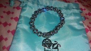 【送料無料】ブレスレット アクセサリ― カフスクロスメダルカフスxsrustic cuff beautiful blue cross medallion rustic cuff xssmall