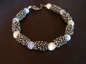 【送料無料】ブレスレット アクセサリ― ビーズブレスレットガラスビーズ7  pebble beaded bracelet with blue and white opaque glass beads