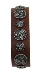 【送料無料】ブレスレット アクセサリ― ブレスレットレザーブラウンリベットbracelet leather brown with motive rivets triskele