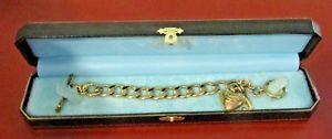 【送料無料】ブレスレット アクセサリ― ジューシークチュールブレスレットゴールドjuicy couture toggle charm bracelet yjru0025 gold