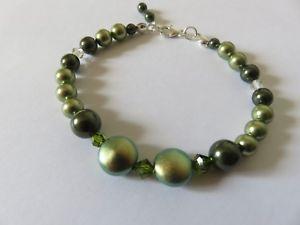 【送料無料】ブレスレット アクセサリ― ハンドメイドスワロフスキーグリーンパールブレスレットスターリングシルバーhandmade swarovski green pearl amp; crystal bracelet sterling silver