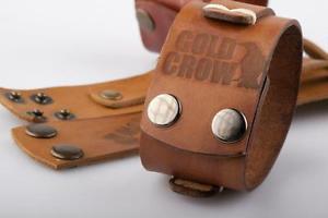 【送料無料】ブレスレット アクセサリ― ファッションブレスレットゴールドクロウハンドメイドfashion men wide genuine leather bracelet gold crow, ,handmade,