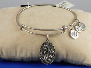 【送料無料】ブレスレット アクセサリ― アレックスラファエリアンシルバーブレスレットalex and ani rafaelian silver because i love you godmother flower charm bracelet