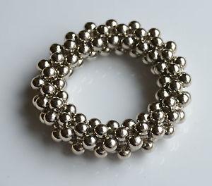 【送料無料】ブレスレット アクセサリ― fashion jewelry modernistmetalized plastic bracelet atomicstructurefashion jewelry modernist silver metalized plastic brac