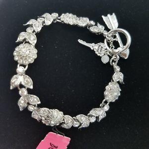 【送料無料】ブレスレット アクセサリ― ジョンソンシルバートーンブレスレットbetsey johnson floral silver tone crystal bracelet b08692b01~nwt