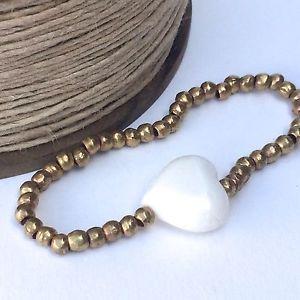 【送料無料】ブレスレット アクセサリ― サンゴハンドメイドストレッチブレスレットbrass stretch bracelet with coral heart, handmade