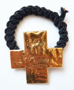 【送料無料】ブレスレット アクセサリ― ブレスレットbiche de berebracelet gold metal crosses biche de bere bijou