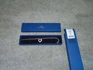 【送料無料】ブレスレット アクセサリ― スワロフスキークリスタルボックスオープンハートブレスレット#swarovski crystal silvertone open heart bracelet 959266 in box