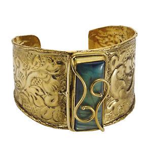 【送料無料】ブレスレット アクセサリ― フロリアーナエンボスカフブレスレットワイドfloriana womens embossed brass amp; labradorite cuff bracelet 1 34 wide
