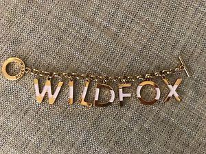 【送料無料】ブレスレット アクセサリ― レタートグルブレスレットwildfox couture letter toggle bracelet 8