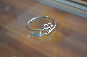 【送料無料】ブレスレット アクセサリ― アレックスラファエリアンシルバーキューピッドラップブレスレットauthentic alex and ani rafaelian silver cupids arrow wrap bracelet with charms