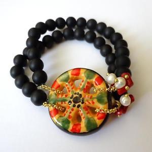 【送料無料】ブレスレット アクセサリ― ゴールドトーンブレスレットシチリアカートホイールwomens gold tone bracelet lava stone, red coral and sicilian cart wheel 35 aa