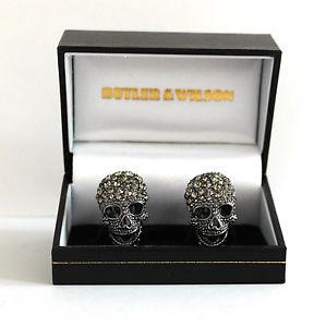 【送料無料】ブレスレット アクセサリ― バトラーウィルソンピュータークリスタルスカルカフスボタンbutler and wilson large pewter crystal skull cufflinks