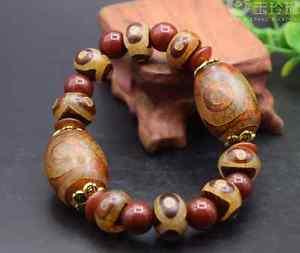 【送料無料】ブレスレット アクセサリ― ビーズブレスレットチベットdzi bead bracelet tibet old three eye dzi agate hand string original stone ornam