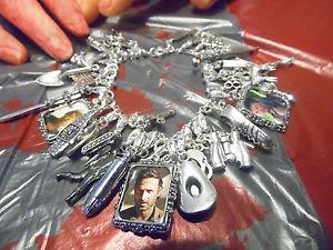 【送料無料】ブレスレット アクセサリ― ウォーキングデッドブレスレットthe walking dead inspired sterling silver charm bracelet