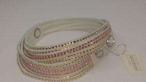 【送料無料】ブレスレット アクセサリ― スワロフスキーホワイトアルカンタララップブレスレットクリアswarovski slake 5045806 white alcantara wrap bracelet w clear amp; gold crystals