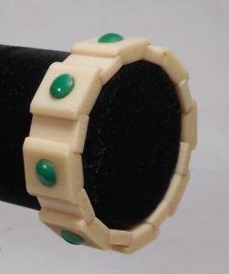 【送料無料】ブレスレット アクセサリ― ビンテージブレスレットフランスbeautiful vintage bracelet in carved galalith 1950s made in france