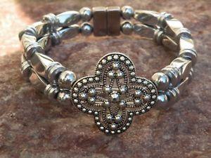 【送料無料】ブレスレット アクセサリ― メンズウィメンズシルバーヘマタイトブレスレットスライダmens womens silver magnetic hematite bracelet anklet 2 row contemporary slider