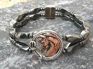 【送料無料】ブレスレット アクセサリ― ブレスレットアンクレットwアラブスライダー2rowmens womens magnetic hematite bracelet anklet w arabian horse head slider 2row