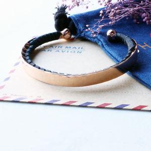 【送料無料】ブレスレット アクセサリ― マドンナカフレザーブレスレットローズゴールドshashi madonna cuff leather bracelet rose gold