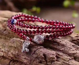 【送料無料】ブレスレット アクセサリ― ガーネットラウンドクリスタルビーズブレスレット45mm natural suriam garnet three round crystal transparent beads bracelet s925