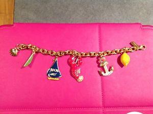【送料無料】ブレスレット アクセサリ― ピューリッツァーボートブレスレットlilly pulitzer boat lifetheme charm bracelet, excellent cond great buyamp;free