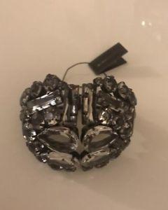 【送料無料】ブレスレット アクセサリ― ガラスストーンカフブレスレットnwt bcbg maxazria floral glass stone cuff bracelet