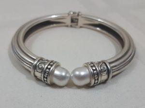 【送料無料】ブレスレット アクセサリ― ブライトンダブルパールシルバーメッキヒンジカフブレスレットbrighton double pearl silver plated hinged cuff bracelet