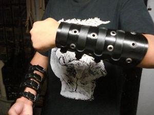 【送料無料】ブレスレット アクセサリ― leather straped gauntletmdlg0226 anathema