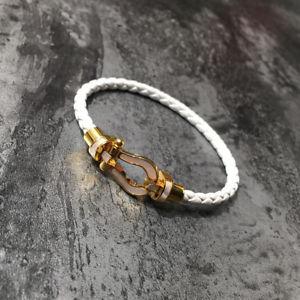 【送料無料】ブレスレット アクセサリ― ブレスレットホワイトパールmagnetic bracelet leather white horse hoof white pearl gold plated 18k trz1
