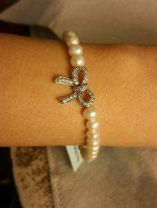 【送料無料】ブレスレット アクセサリ― リボンブレスレットfresh water pearl fine silver plated cz ribbon charm adjustable bracelet