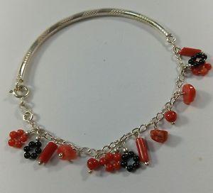 【送料無料】ブレスレット アクセサリ― ブレスレットオニキスシルバーフラワーコーラルnatural red coral authentic bracelet charms, onyx and silver, flower coral