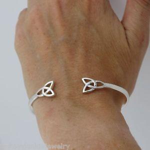 【送料無料】ブレスレット アクセサリ― セルティックノットトリニティカフブレスレットスターリングシルバーセルティックアイルランドノットceltic knot trinity cuff bracelet 925 sterling silver celtic irish knot