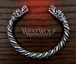 【送料無料】ブレスレット アクセサリ― シルバーヴァイキングドラゴンヘッドブレスレットピュータージュエリーロキsilver viking dragon head bracelet norsemedievalpewterjewelrytorcloki