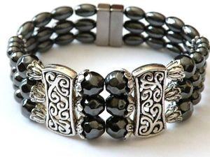【送料無料】ブレスレット アクセサリ― チベットブレスレット34クリスマスクリスマスmagnetic hematite tibetan silver bracelet 3 row magnetic clasp 4 christmas xmas