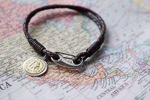 【送料無料】ブレスレット アクセサリ― 9ctstクリストファーメダルブレスレットfree engraving9ct gold plated st christopher medal leather bracelet free engraving