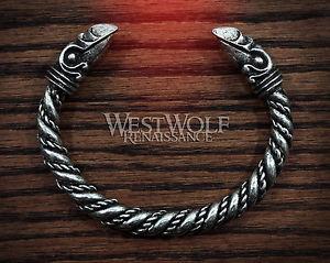 【送料無料】ブレスレット アクセサリ― シルバーバイキングヘッドブレスレットピュータージュエリーsilver viking odins raven head bracelet norsemedievalpewterjewelrytorc