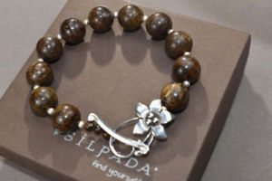 【送料無料】ブレスレット アクセサリ― トグルb1365 beautifulsilpadaブレスレットsilpada bronzite bracelet silver beads with flower toggle clasp b1365 beautiful