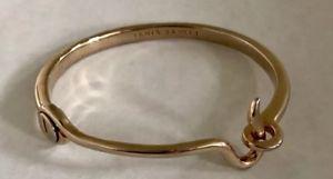 【送料無料】ブレスレット アクセサリ― ジャニスサビットホックラッチブレスレットジャニスjanis by janis savitt metallic gold hook and latch bracelet