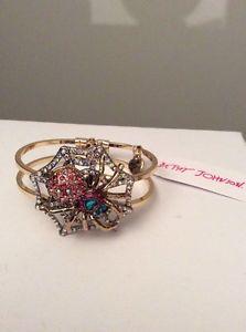 【送料無料】ブレスレット アクセサリ― ジョンソンルクスクモコレクションスパイダーブレスレットドルbetsey johnson spider lux collection spider bracelet 65 bss16