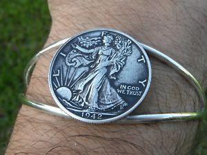 【送料無料】ブレスレット アクセサリ― リバティーコインドルアジャスタブルウォーキングgenuine walking liberty coin half a dollar silver plated adjustable cuf