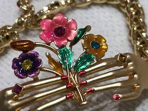 【送料無料】ブレスレット アクセサリ― バトラーウィルソンブレスレットゴールドカラーbutler and wilson bracelet, gold colour, hands and flowers