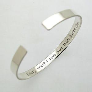 【送料無料】ブレスレット アクセサリ― カスタムスターリングシルバーカフブレスレットmother in law custom gift engraved sterling silver cuff bracelet