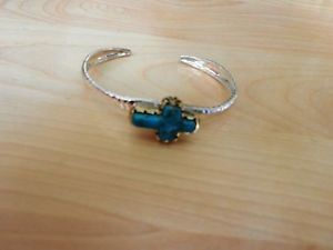 送料無料 ブレスレット アクセサリ― スターリングシルバーターコイズクロスカフブレスレットbarse sterling silver and turquoise cross cuff braceletARLq34j5