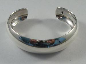 【送料無料】ブレスレット アクセサリ― スターリングシルバードームカフブレスレットワイド925 sterling silver domed cuff bracelet with smooth finish 34 wide