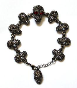 【送料無料】ブレスレット アクセサリ― バトラーウィルソンピュータークリスタルスカルブレスレットbutler and wilson pewter crystal 10 skull bracelet