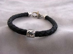 【送料無料】ブレスレット アクセサリ― カプリコーンシルバーレザーブレスレットcapricorn silver and braided leather bracelet