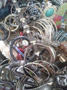 【送料無料】ブレスレット アクセサリ― ブレスレットロットファッション170 pc bracelet lot, wear, fashion, pre owned condition