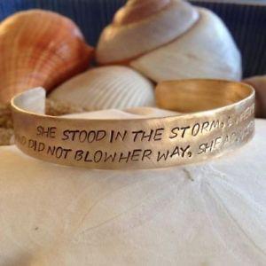 【送料無料】ブレスレット アクセサリ― ストームカフブレスレットshe stood in the storm cuff bracelet